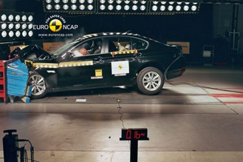 5er BMW im EuroNCAP-Crashtest