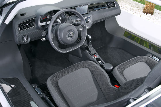 VW XL1 Cockpit