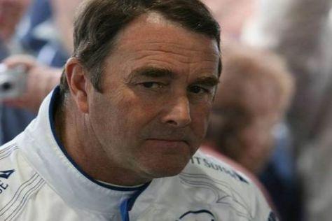 Ein skeptischer Blick: Nigel Mansell ist nicht begeistert von den Formel-1-Neuheiten