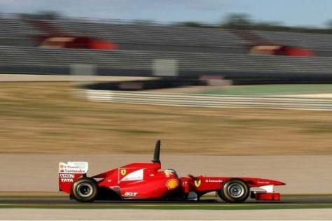 Fernando Alonso spulte gleich am ersten Testtag viele problemlose Kilometer ab