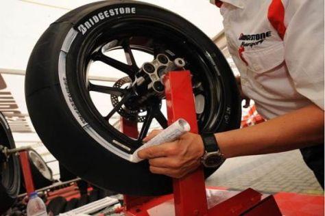 Bridgestone testete in Sepang neue Reifenmischungen