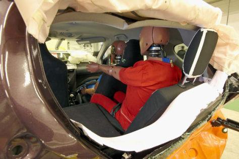 Heckcrash-Test (2): Toyota iQ