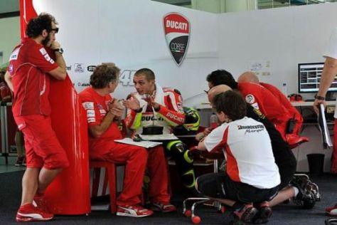 Während Valentino Rossi in Sepang schwitze, testete Ducati parallel in Jerez