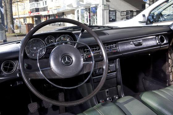 Mercedes 220 /8