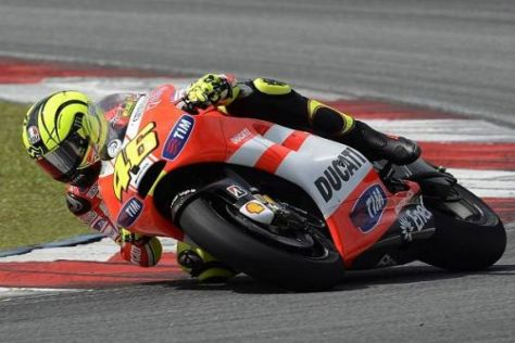 Valentino Rossi muss der Desmosedici GP11 noch ordentlich Beine machen