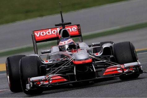 Mit Messgeräten übersät: Jenson Button beim Test in Barcelona