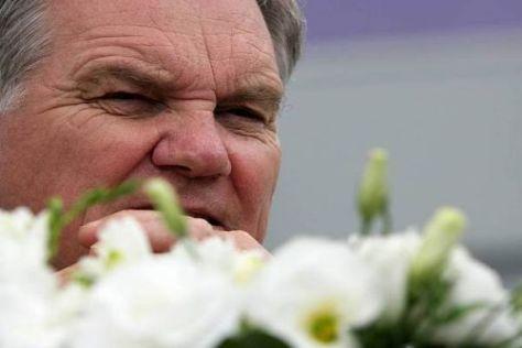 Durch die Blume übt Patrick Head Kritik an der Kostenvereinbarung der Teams
