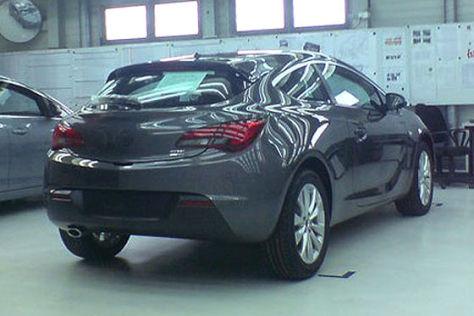 Opel Astra GTC Erlkönig