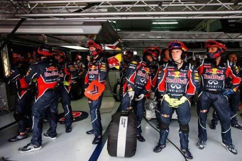 Auch für die Mechaniker bedeutet das Rennen in Sepang Schwerstarbeit
