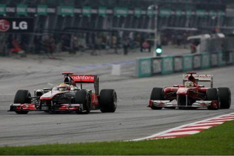 Kurz nach diesem Foto kam es zur Berührung zwischen Hamilton und Alonso