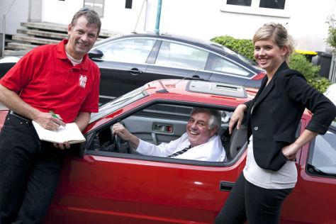Jochen und Ruth Obermann mit dem Mitsubishi Starion