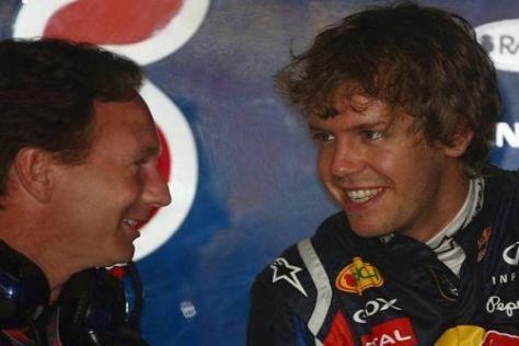 Christian Horner und Sebastian Vettel haben guten Grund, gut gelaunt zu sein