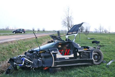 Unfall mit dem Sportwagen Gumpert Apollo