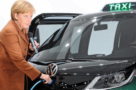 Angela Merkel am VW-Milano-Taxi