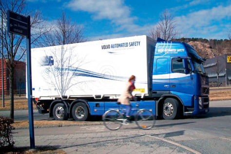 Volvo Trucks System gegen toten Winkel
