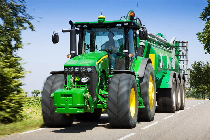 John Deere 8R