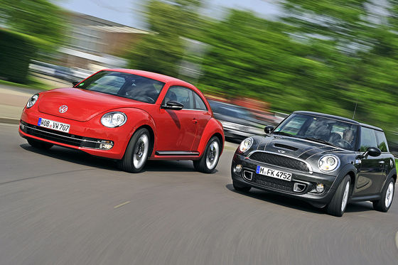 Video: VW Beetle vs. Mini Cooper