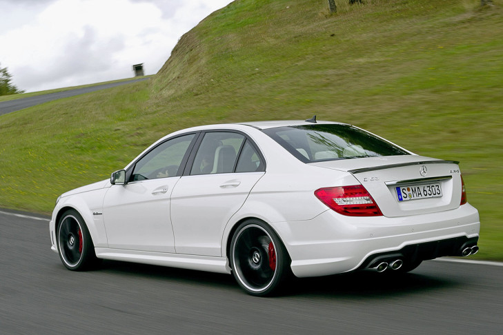 bilder c 63 amg coup black series update bilder. Black Bedroom Furniture Sets. Home Design Ideas