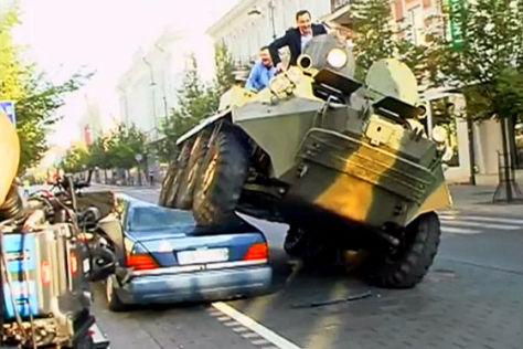 Panzer macht W 140 platt