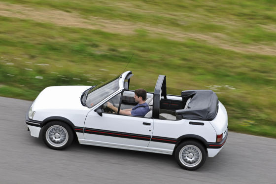 cabrio der 80er peugeot 205 cti cabriolet. Black Bedroom Furniture Sets. Home Design Ideas
