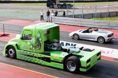Volvo Hybrid-Truck vs. Ferrari