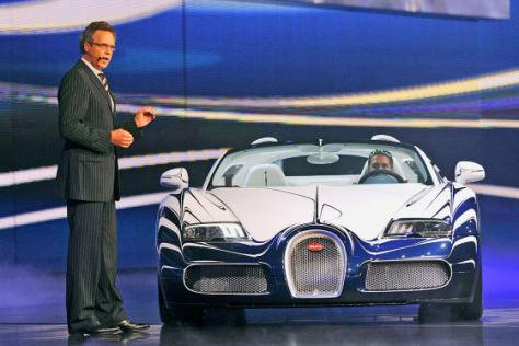 Bugatti-Chef Wolfgang Dürheimer auf der IAA 2011