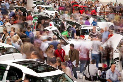 Publikum auf der IAA 2011