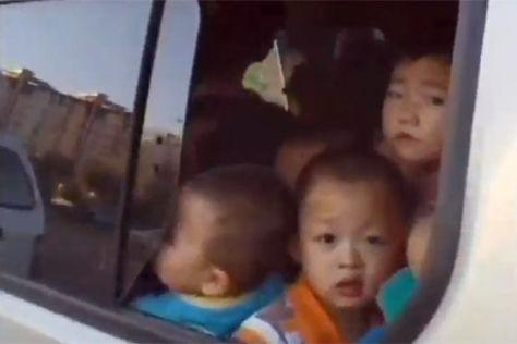 China: 64 Schüler im Van