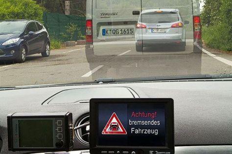 Car-to-X-Kommunikation zwischen Fahrzeugen