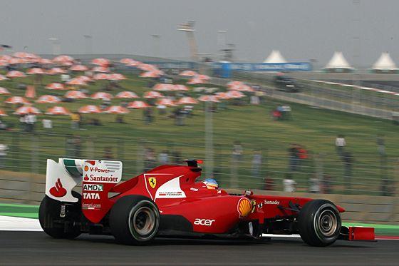 Vettel gewinnt Indien-Premiere