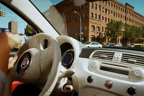 Jennifer Lopez im Fiat 500