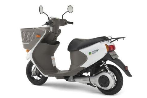 Suzuki e-Let�s