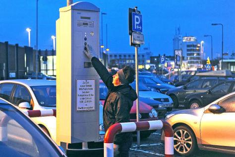 Parkscheinautomat am Fährhafen von Norddeich