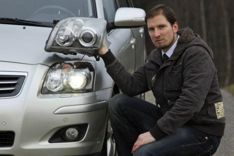 Christian B. mit seinem Toyota Avensis