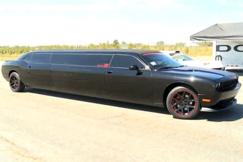 Stretch-Limo Dodge Challenger SRT8