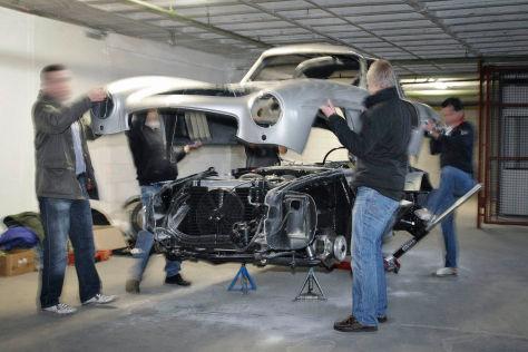 Mercedes 300 SL Replica wandert in die Presse