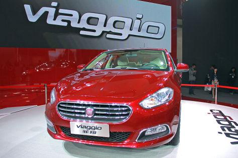 Fiat Viaggio Front