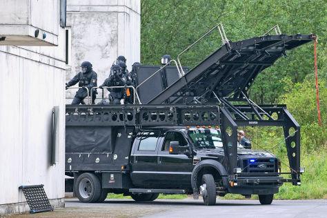 Geheimer Monster-Truck Ford F-550 der Elitepolizei - autobild.de