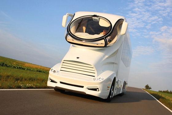 luxusbus von marchi mobile au ergew hnliches shuttle. Black Bedroom Furniture Sets. Home Design Ideas