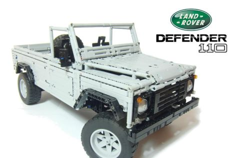 Land Rover Defender 110 als Lego-Modell