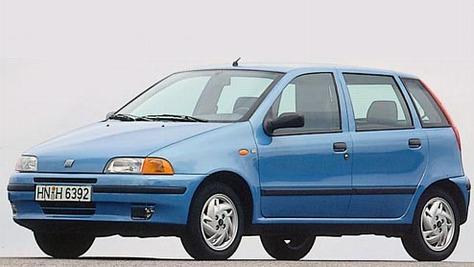 Fiat Punto I (Typ 176) - autobild.de on fiat stilo, fiat cars, fiat spider, fiat 500 turbo, fiat coupe, fiat x1/9, fiat ritmo, fiat seicento, fiat bravo, fiat doblo, fiat marea, fiat cinquecento, fiat linea, fiat 500 abarth, fiat panda, fiat barchetta, fiat multipla, fiat 500l,