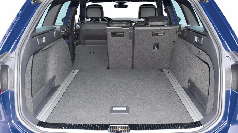 Passat-Kombi: 650 bis 1780 Liter Kofferraum sind vergleichsweise üppig, Höhe: 760 mm, Tiefe maximal: 1995 mm, Tiefe minimal: 1095 mm, Breite: 1000 mm