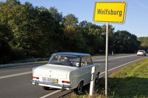 Mit dem Opel Kadett A durch Wolfsburg