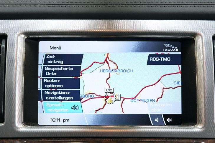 Jaguar XF: Touchscreen
