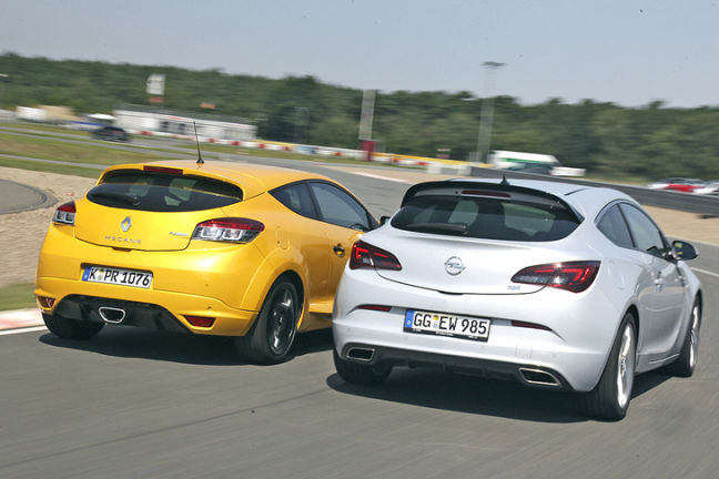 Video: Renault Megane RS vs. Opel Astra OPC