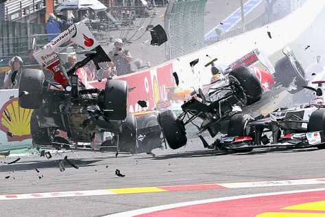 formel 1 belgein gp 2012 unfall. Black Bedroom Furniture Sets. Home Design Ideas