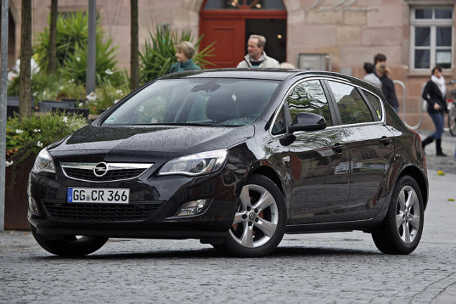 Video: Opel Astra Facelift
