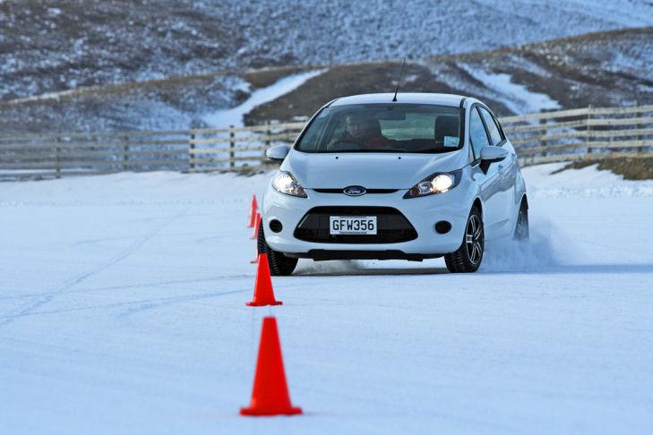Schnee: Slalom