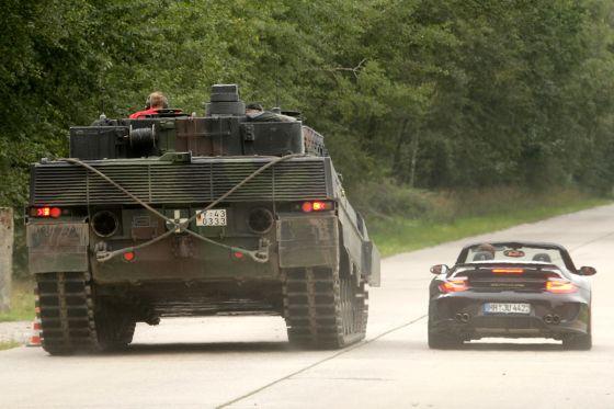 9ff GTronic gegen Leopard 2: Vergleich