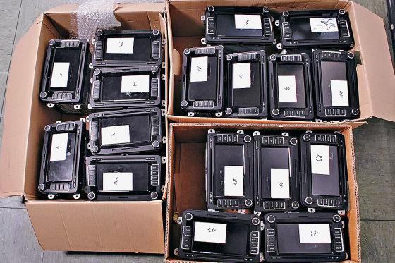 Gestohlene Navigationsgeräte in Pappkartons